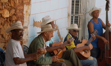 Cuba to the rhythm of Salsa!